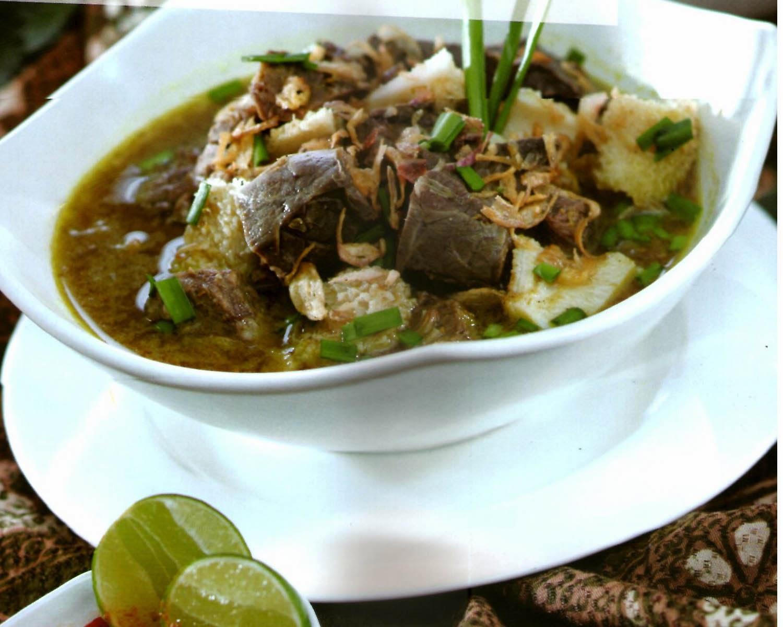 Menikmati Makanan Khas Cirebon Empal gentong
